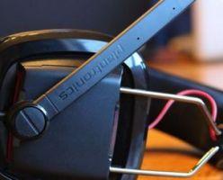 Plantronics гарнитура GameCom 780 позволяет воспроизводить объемный звук в формате 7.1