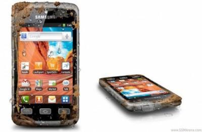 Смартфон Samsung Galaxy Xcover можно безболезненно уронить в грязь, воду и песок